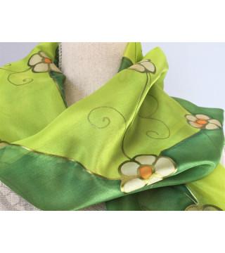 Zöld sál, kis virágokkal, kicsi.