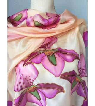 Selyemkendő orchideákkal, nagy