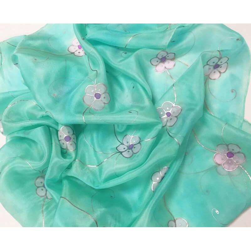 Kisvirágos selyemkendő opálos árnyalattal, nagy