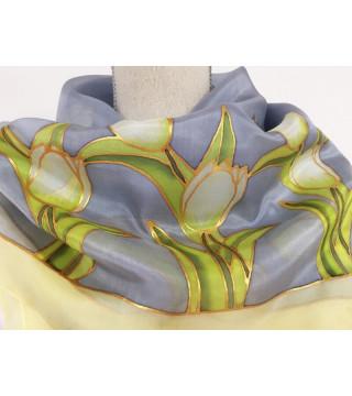 Fehér tulipános selyemkendő szürke alappal, nagy