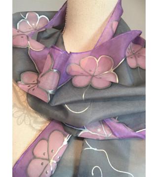 Selyemsál szürke-lila, rózsaszín virágokkal